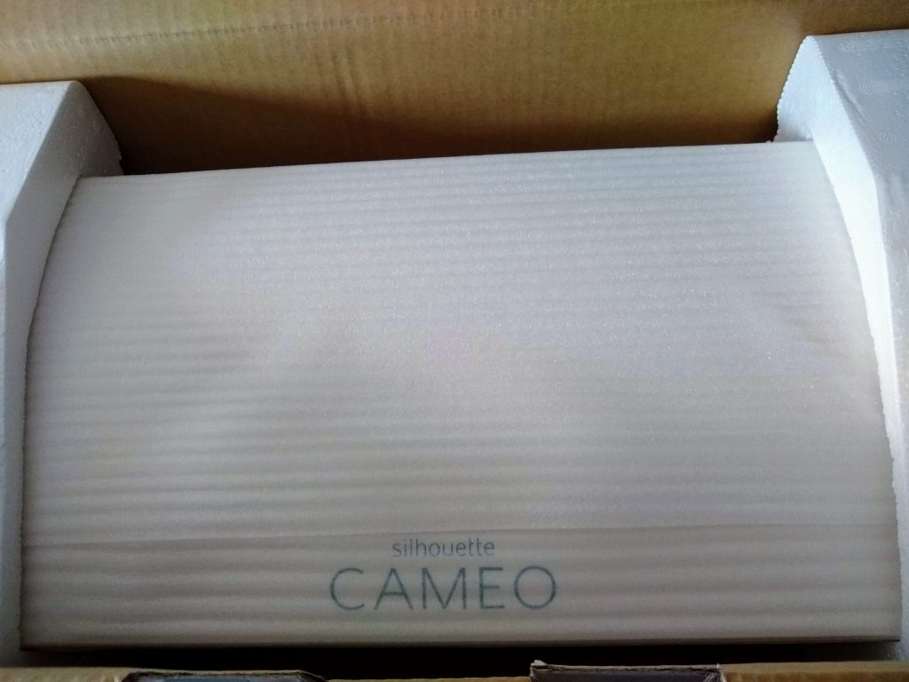 """<img src=""""Silhouette Cameo 3"""" alt=""""So you bought a new Silhouette Cameo unboxing"""">"""